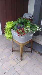 galvanized-planter-red-granite-farm